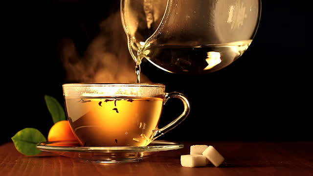 Storie di un giovane gigolo: una calda tazza di tea